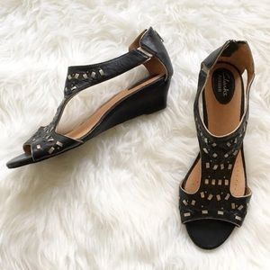 Clark's Artisan Black Leather Sandals Size 10